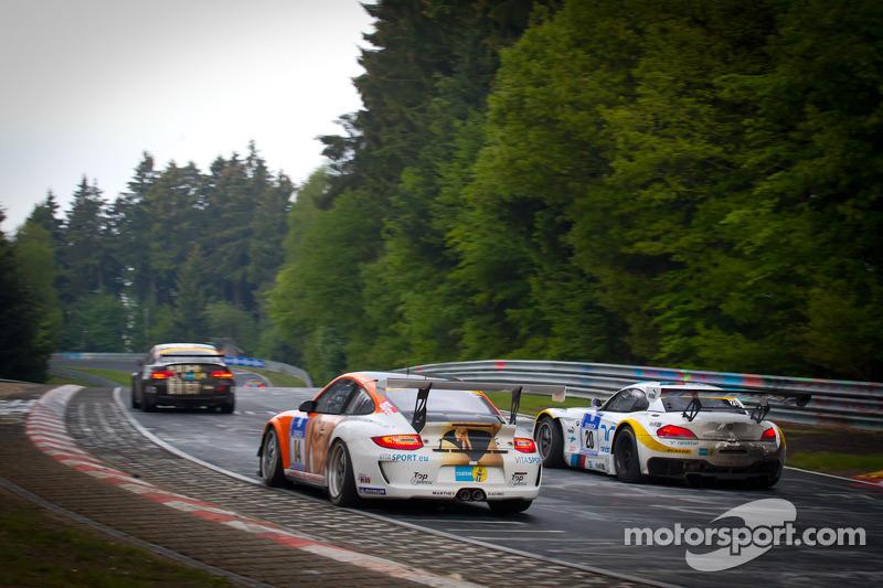 #14 Manthey Racing Porsche 911 GT3 Cup: Frank Kräling, Marc Gindorf, Peter Scharmach, Marco Schelp, #20 BMW Team Schubert BMW Z4 GT3: Claudia Hürtgen, Dominik Schwager, Nico Bastian, Dirk Adorf