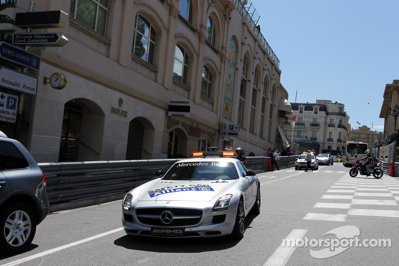 FIA Safetycar op circuit