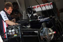 Williams FW34 is prepared