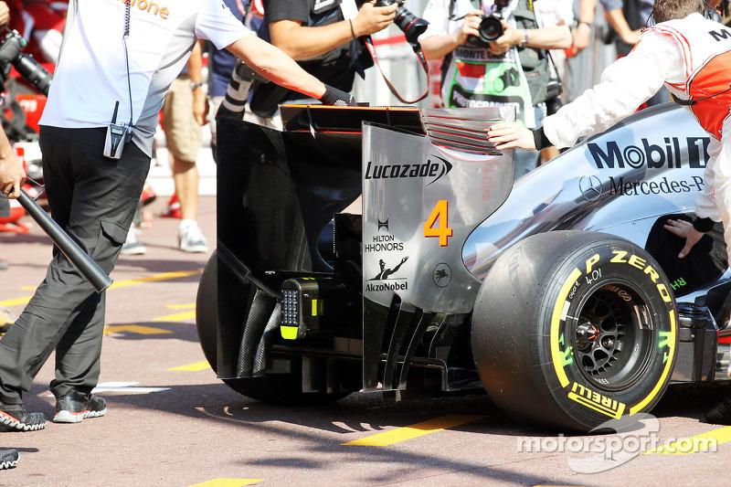 Lewis Hamilton, McLaren achtervleugel