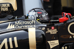 Kimi Raikkonen, Lotus F1 wearing a James Hunt, kask