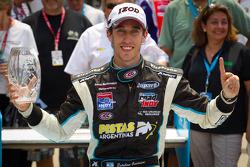 Доріжка перемоги: переможець гонки Естебан Герріері, Sam Schmidt Motorsports celebrates