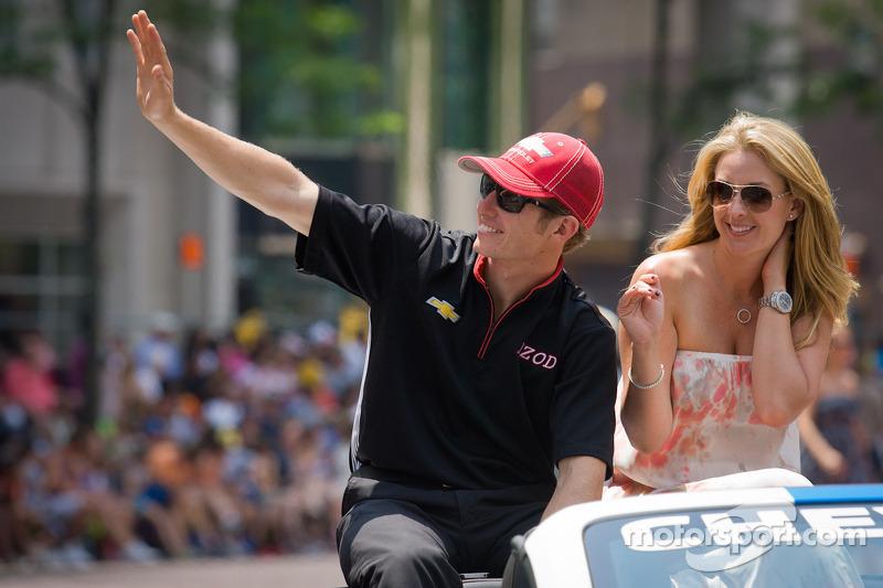 Indy 500 festival parade: polezitter Ryan Briscoe, Team Penske Chevrolet