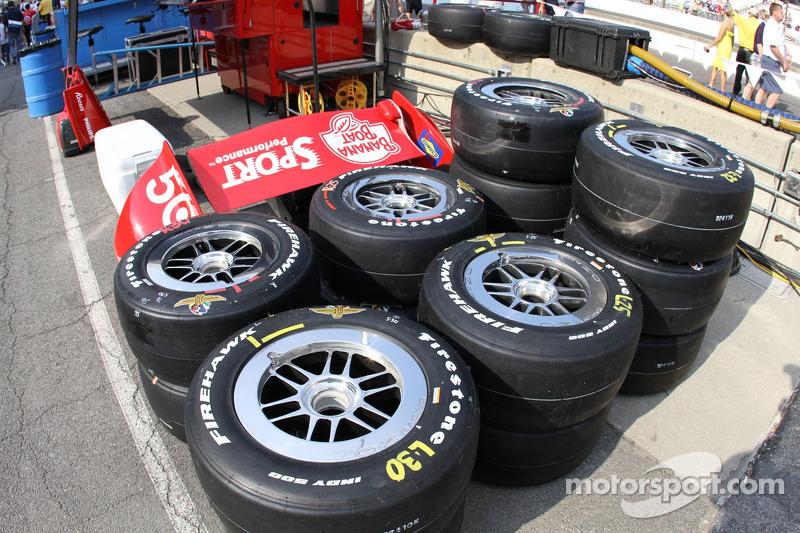 Dario Franchitti, Target Chip Ganassi Racing Honda pit before the race