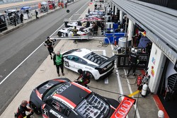 Pits before qualifying
