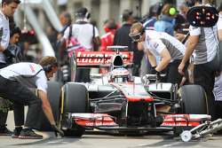 Jenson Button, McLaren Mercedes in the pits