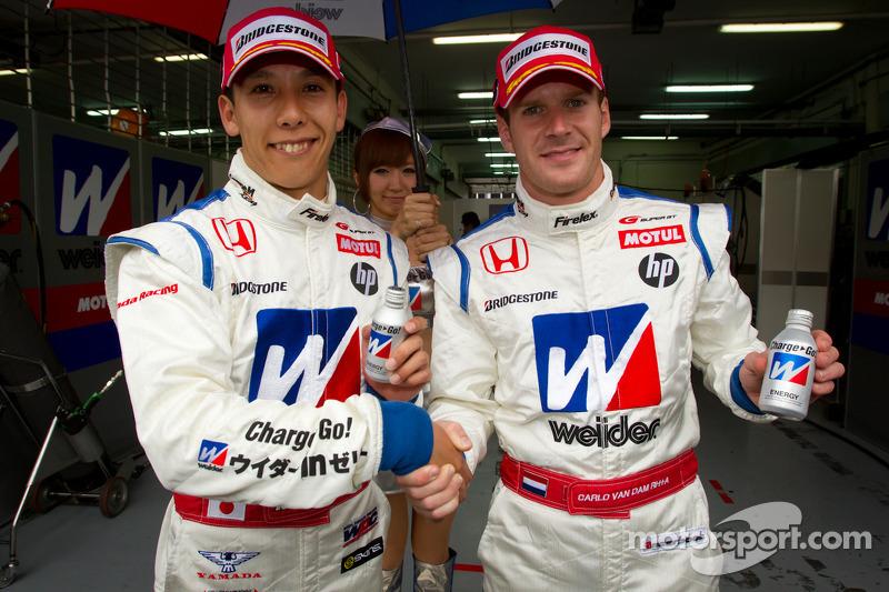 GT500 pole winnaars Takashi Kogure en Carlo Van Dam