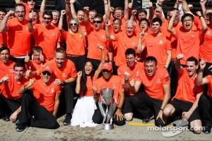 Race winner Lewis Hamilton, McLaren Mercedes celebrates with girlfriend Nicole Scherzinger, Singer and the team