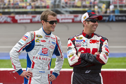 Kasey Kahne, Hendrick Motorsports Chevrolet and Greg Biffle, Roush Fenway Racing Ford