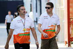 Andy Stevenson, Sahara Force India F1 Team Manager with Paul di Resta, Sahara Force India F1