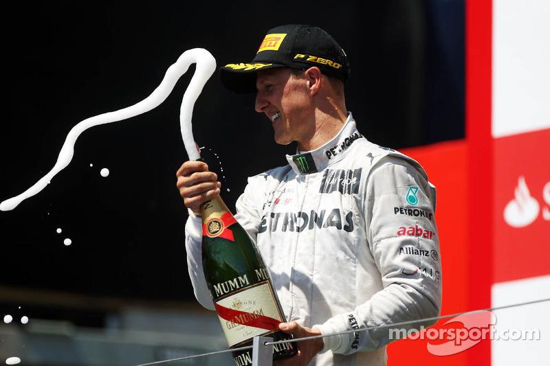 Ну а Михаэль покорил пьедестал в своей 294-й гонке Ф1