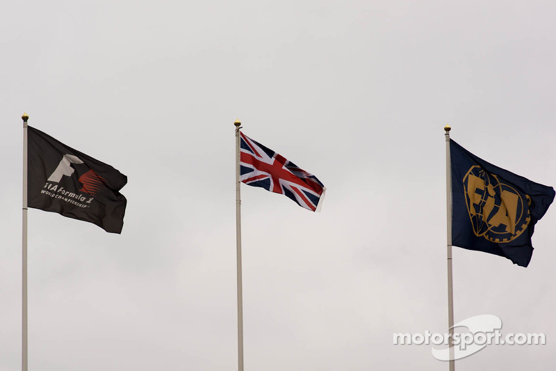 F1, Union, and FIA flags