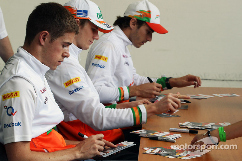 Paul di Resta, Sahara Force India F1; Nico Hulkenberg, Sahara Force India F1 ve Jules Bianchi, Sahar