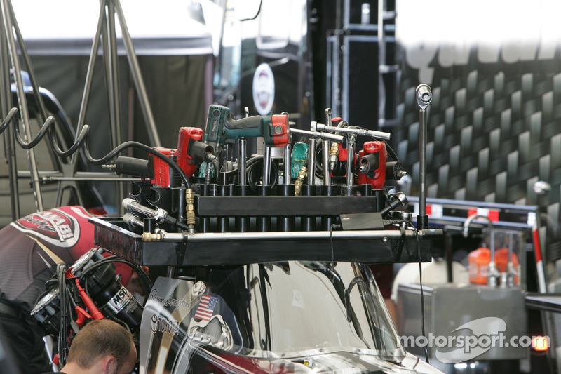 Work on Shawn Langdon's Top Fuel Dragster