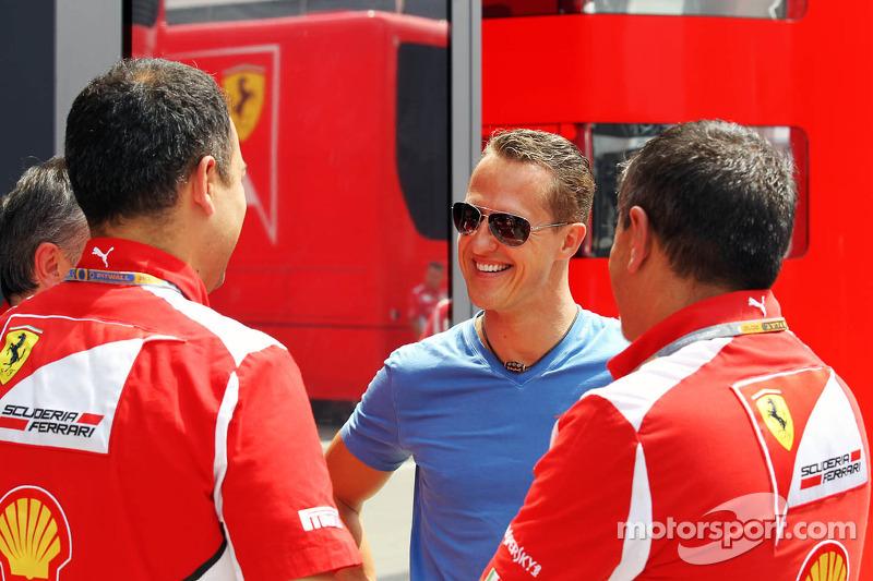 Michael Schumacher, Mercedes AMG F1 talks with former Ferrari colleagues
