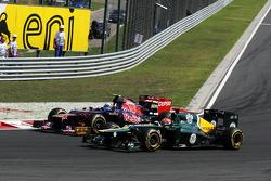 Jean-Eric Vergne, Scuderia Toro Rosso and Heikki Kovalainen, Caterham battle for position