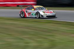 #45 Flying Lizard Motorsports: Jörg Bergmeister, Patrick Long