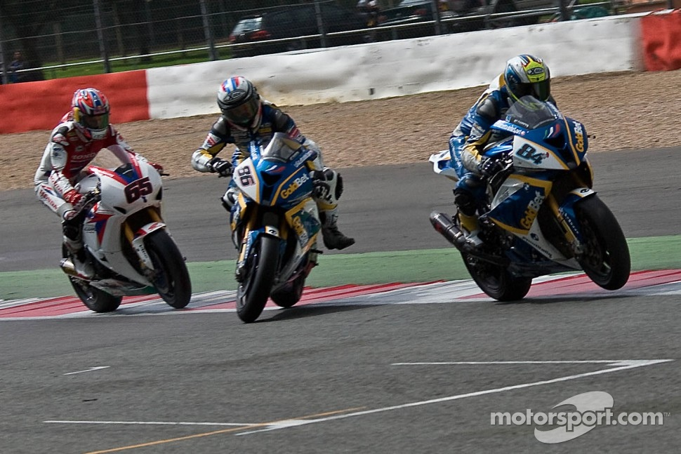 Michel Fabrizio wins as Ayrton Badovini crashes ahead of Jonathan Rea