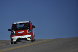 #34 Mitsubishi Motors i-MiEV: Beccy Gordon