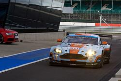 #98 Aston Martin Racing Aston Martin Vantage V8: Roald Goethe, Stuart Hall