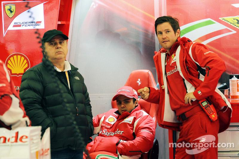 Felipe Massa, Ferrari with vader Luiz Antonio Massa en Rob Smedley, Ferrari Race Engineer