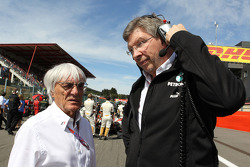 Bernie Ecclestone, und Ross Brawn, Mercedes GP, Technicher Direktor