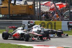 Lewis Hamilton, McLaren Mercedes en Sergio Perez, Sauber F1 Team