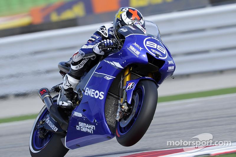 Хорхе Лоренсо и Бен Спис (Гран При Сан-Марино 2012). В честь серии мотоциклов Yamaha Race Blu