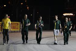 Vitaly Petrov, Caterham wandelt op het circuit
