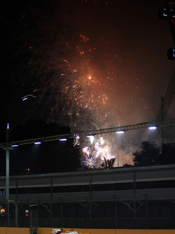 Paul di Resta, Sahara Force India with fireworks in the sky