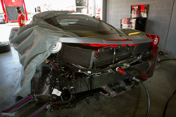 Heavy damage on #00 Ferrari of Houston 458TP