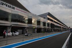 Quiet pit lane at Fuji Speedway