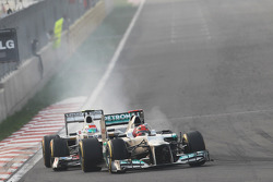 Michael Schumacher, Mercedes AMG F1 lidera a Sergio Pérez, Sauber
