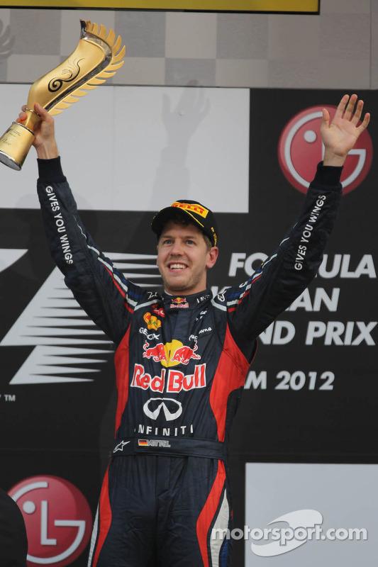 Podium: winnaar Sebastian Vettel, Red Bull Racing