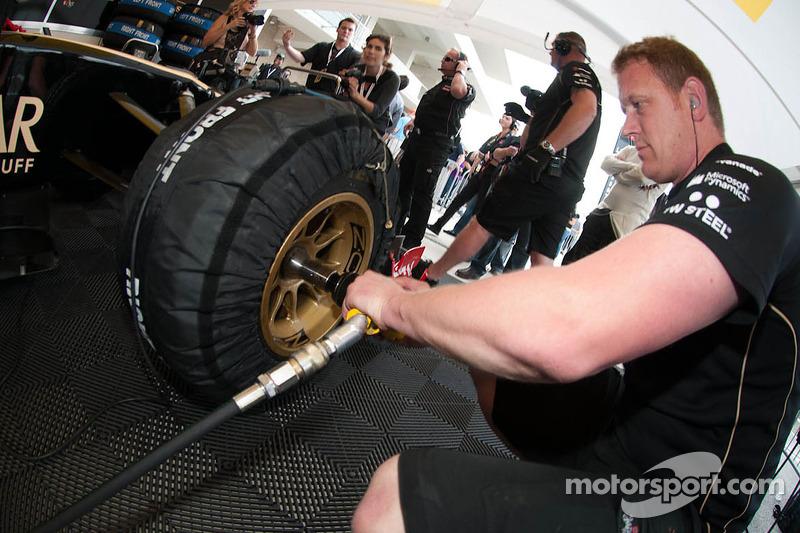 Lotus Renault technici