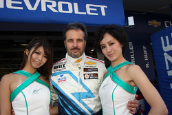 Yvan Muller, Chevrolet Cruze 1.6T, Chevrolet with Grid Girls