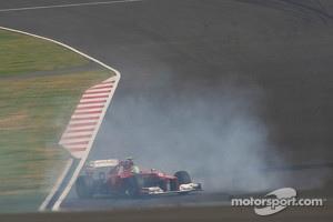 Fernando Alonso, Ferrari spins during qualifying