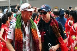 Михаэль Шумахер и Себастьян Феттель. ГП Индии, Воскресенье, перед гонкой.