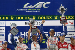Podium: race winners Alexander Wurz, Nicolas Lapierre