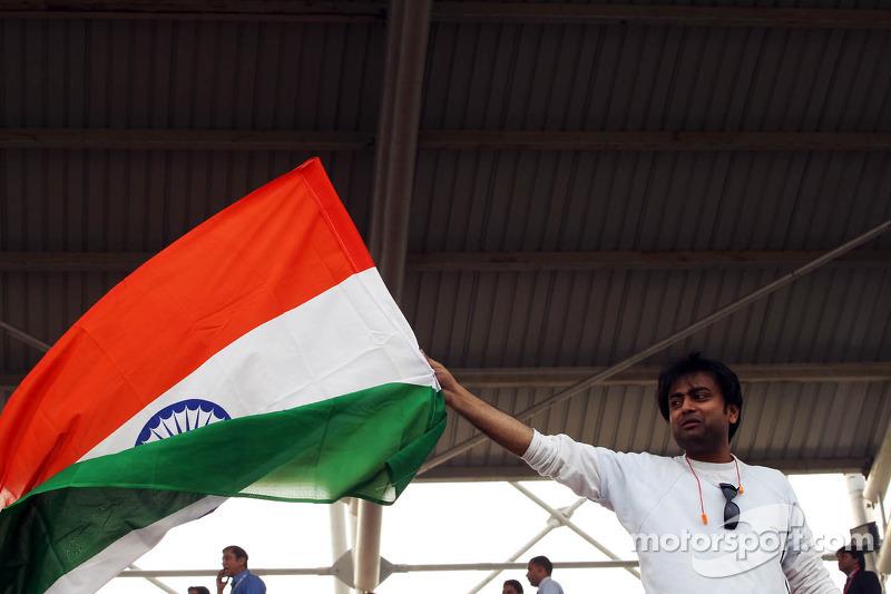 Fan met Indiaase vlag