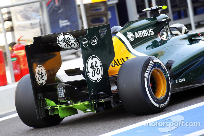 Giedo van der Garde, Caterham Third Driver with flow-vis paint on the rear diffuser