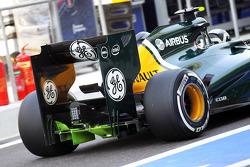Giedo van der Garde, Caterham Third Driver with flow-vis paint on the rear diffuser