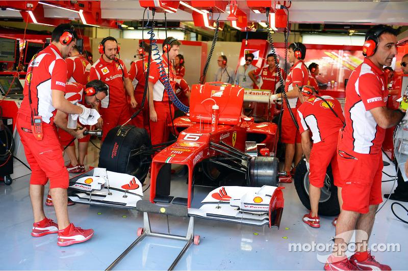Felipe Massa, Ferrari in de pits