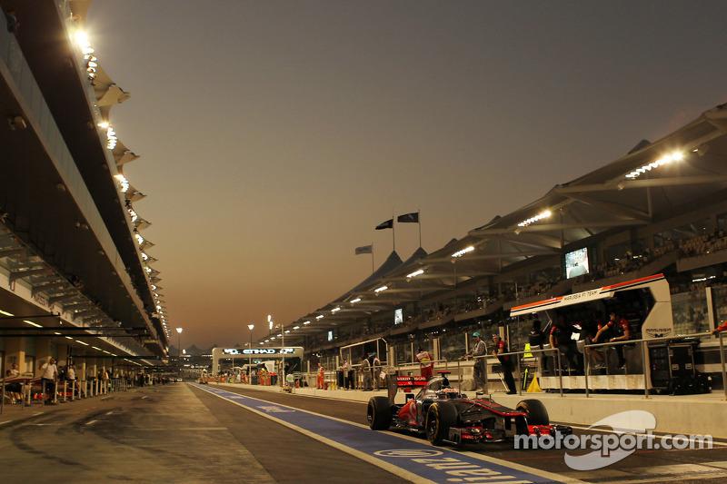 Jenson Button, McLaren verlaat de pits