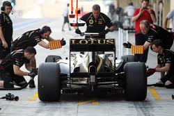 Edoardo Mortara, Lotus F1 Test Driver in the pits