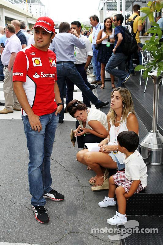 Felipe Massa, Ferrari met vrouw Rafaela Bassi, en zoon Felipinho