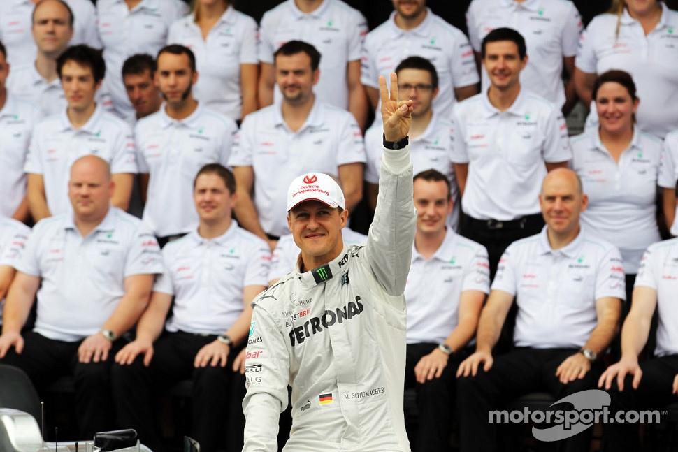 Michael Schumacher, Mercedes AMG F1  at a farewell to F1 team photograph