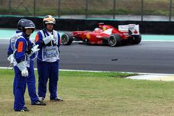 Fernando Alonso, Ferrari passes marshalls