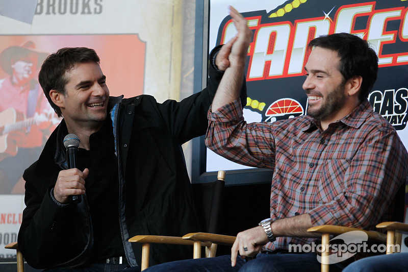 Jimmie Johnson and Jeff Gordon during the newlywed game