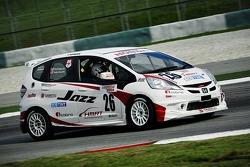 #26 Honda Jazz: Tengku Ezan Ley, Farriz Fauzy